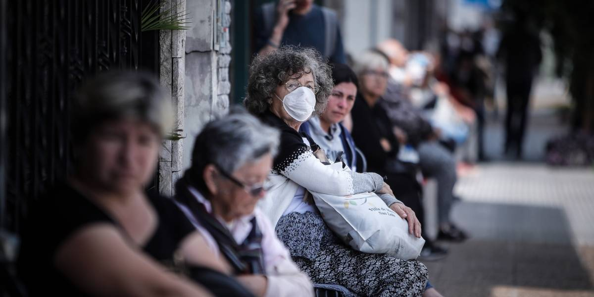 Investigan a dos gobernadores y un alcalde por contratos ante pandemia