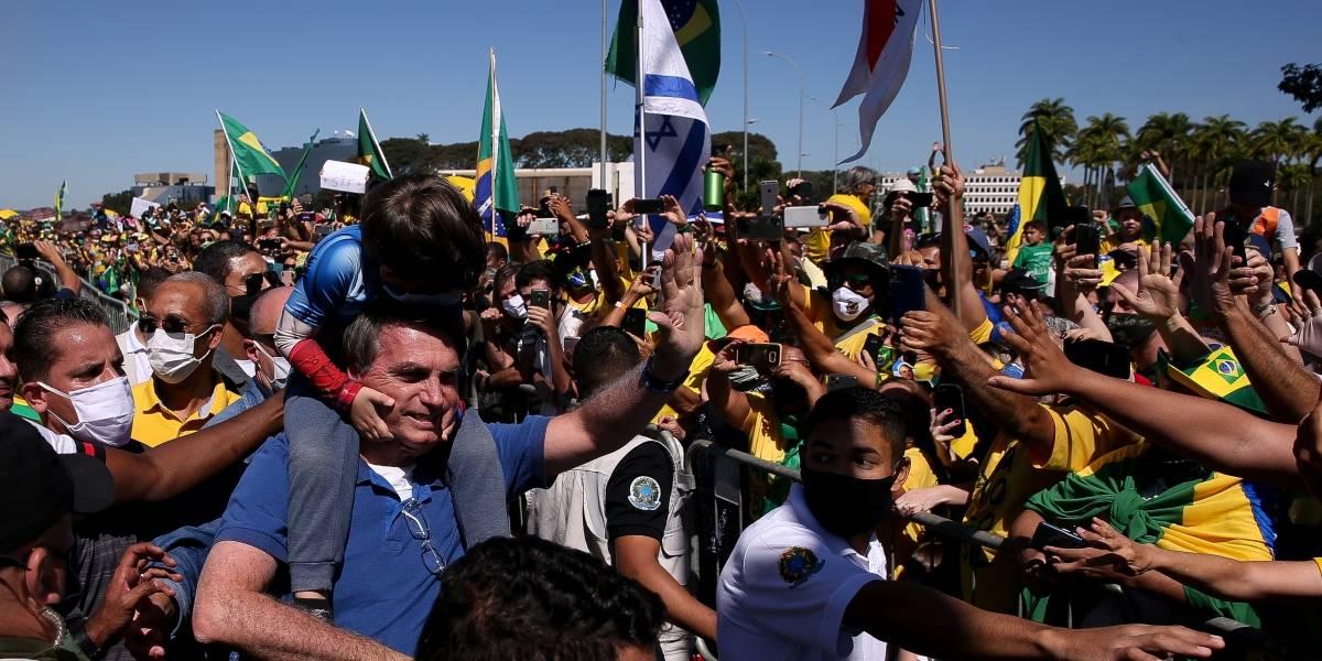 Juiz do Distrito Federal obriga Bolsonaro a usar máscara na rua