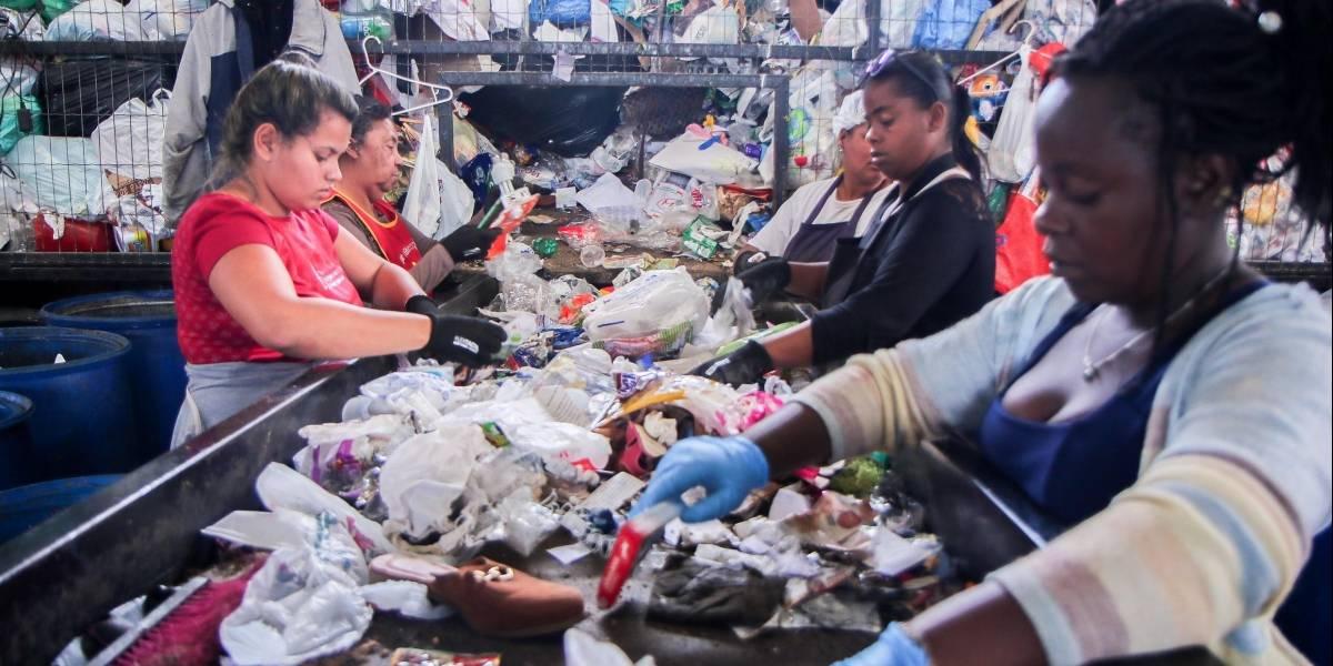 Coleta de recicláveis aumenta, mas parte acaba descartada durante pandemia