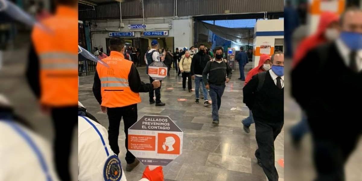 Con la boca cerrada: piden viajar en silencio en el Metro para evitar contagios
