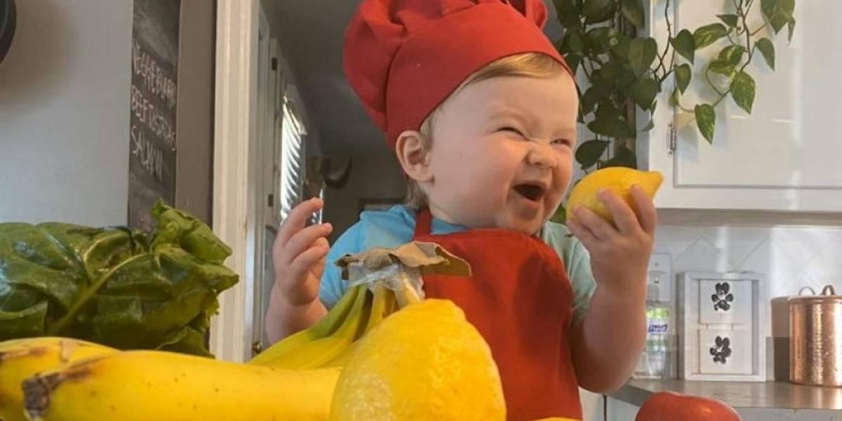 """Una niña y un bebé: los """"mini chefs"""" que se volvieron famosos en esta cuarentena por redes sociales"""