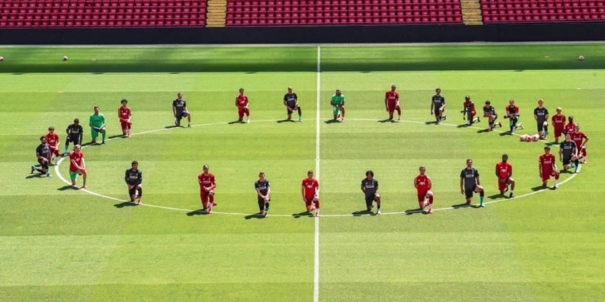 ¡Continúa la indignación! Emotivo gesto de los jugadores del Liverpool en honor a George Floyd