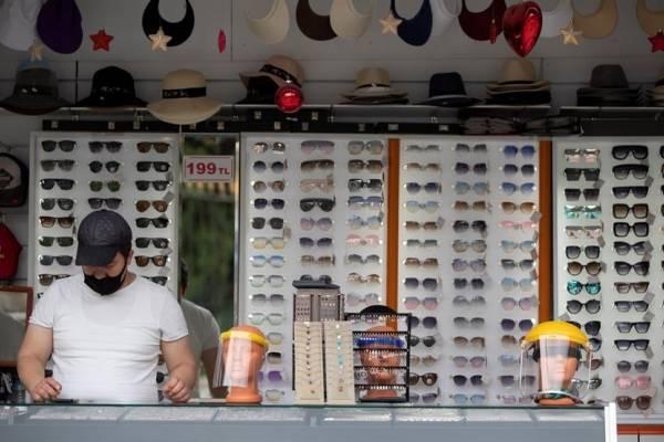 El Gran Bazar de Estambul, abierto de nuevo, tras 2 meses de cierre por el COVID-19