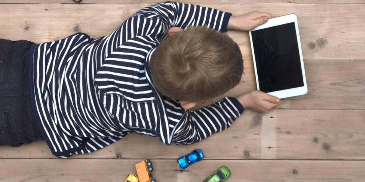 ¿Exceso de tecnología? Un 75% de los padres dice que los dispositivos electrónicos los ayudan a entretener a sus hijos