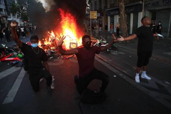Ola de protestas contra la violencia y racismo policial se expande a Francia: miles de manifestantes chocan con la seguridad en París