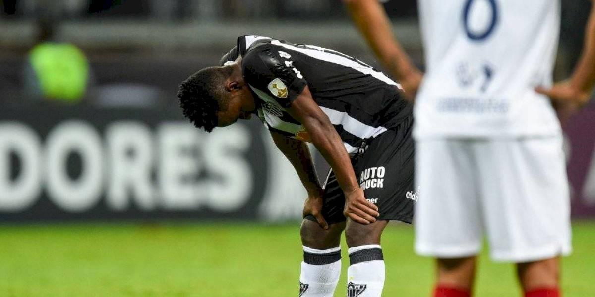 Futbolista recuperado de COVID-19 fue multado por promover fiesta en plena cuarentena