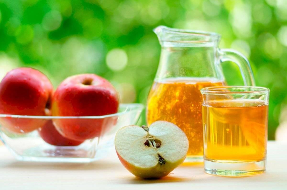 Un jugo de manzana, papaya y limón te ayudará a combatir el colon irritable
