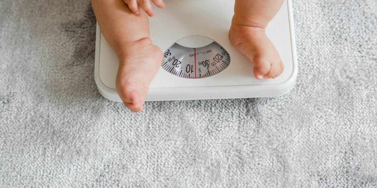 Pesquisa feita com crianças encontra ligação entre dormir tarde e sobrepeso