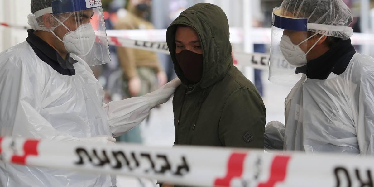 Sorprenden a otro joven contagiado paseando en Plaza de Armas: segundo caso en cinco días