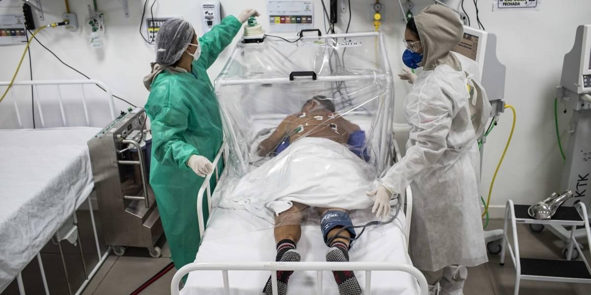 (VIDEO) ¿Aún no cree en el daño? Doctora mostró los pulmones de paciente con coronavirus