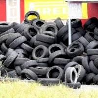 Pierluisi declara emergencia ambiental por exceso de neumáticos usados