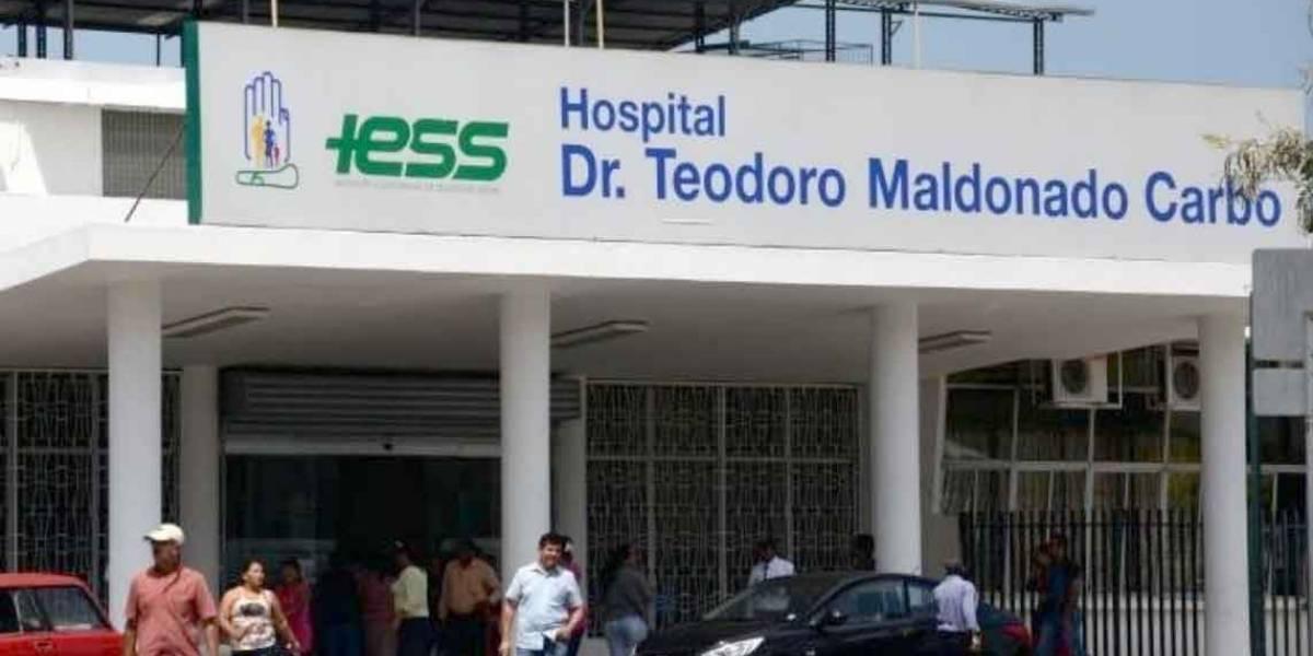 Fiscalía allana Hospital del IESS en Guayaquil
