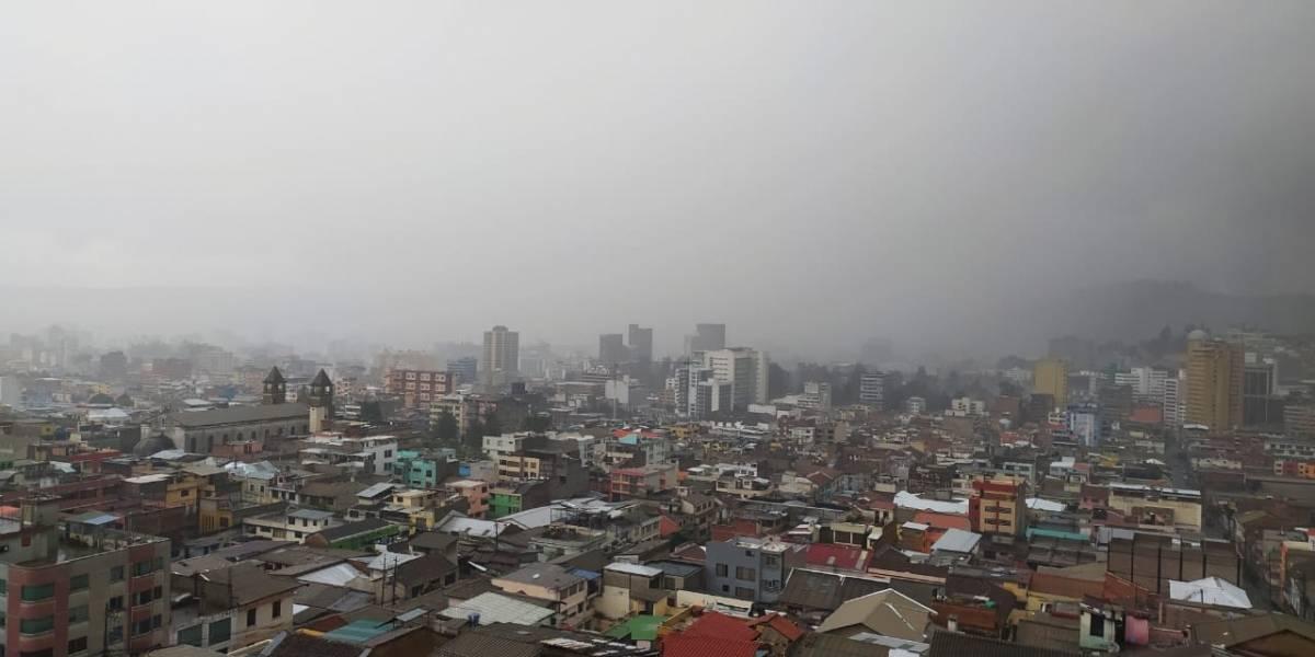 ¡El cielo ruge en Quito! Lluvia, granizo y tormenta eléctrica este 3 de junio