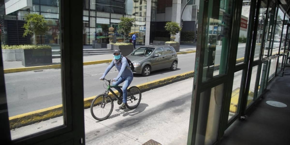 Guardias fueron agredidos por tomar la temperatura en el transporte de Quito