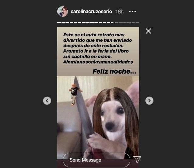 Meme Carolina Cruz y el porta cuchillos con libros
