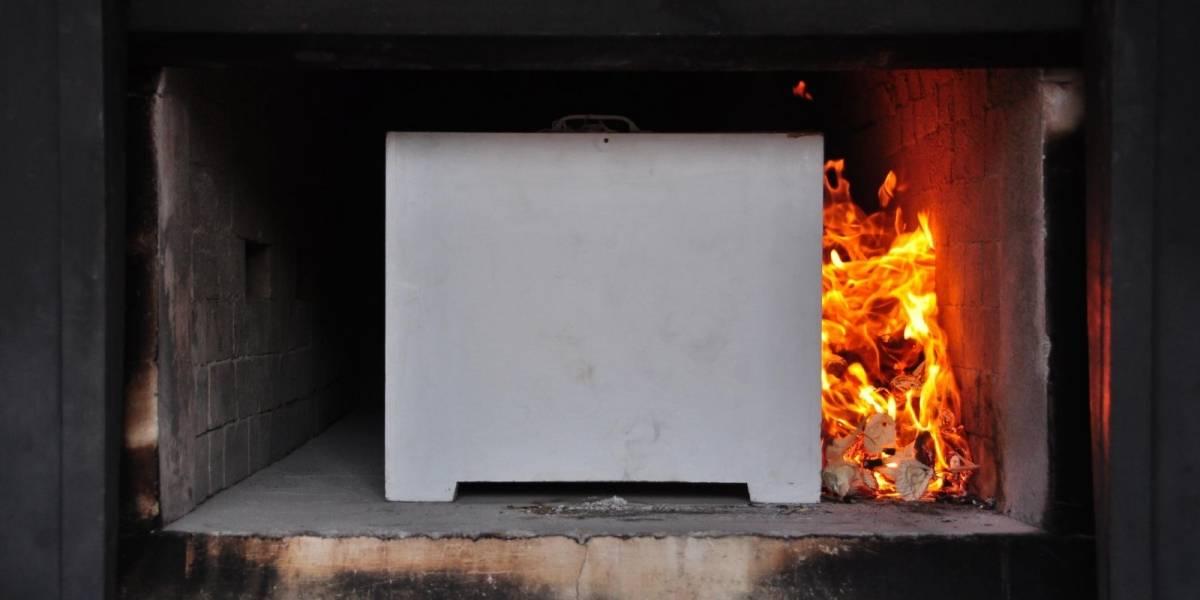 Legislan para que víctimas fatales de COVID-19 sean cremadas
