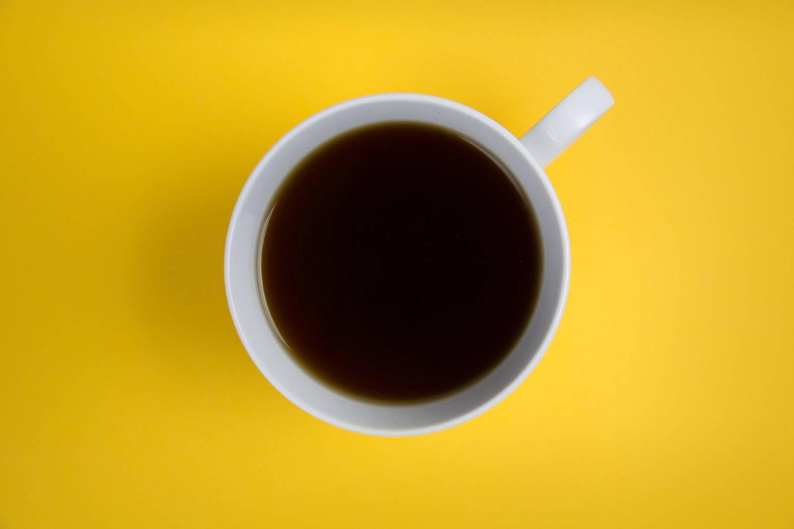 Café para las raíces del cabello