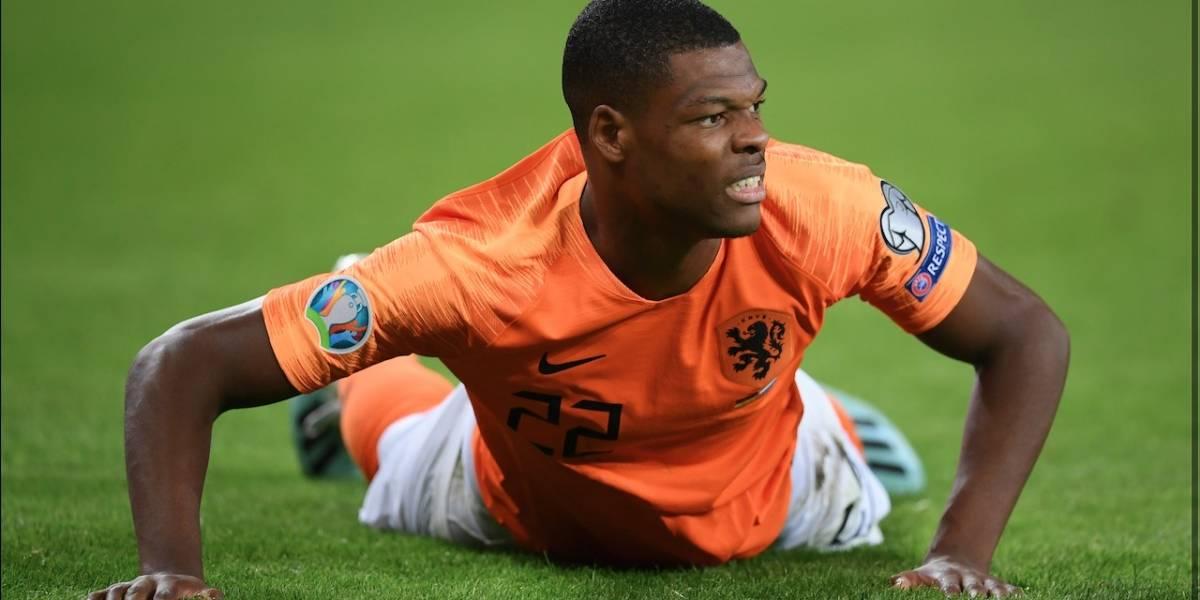 ¿Por qué el PSV apartó de los entrenamientos a Denzel Dumfries tras ir a una protesta antirracista?