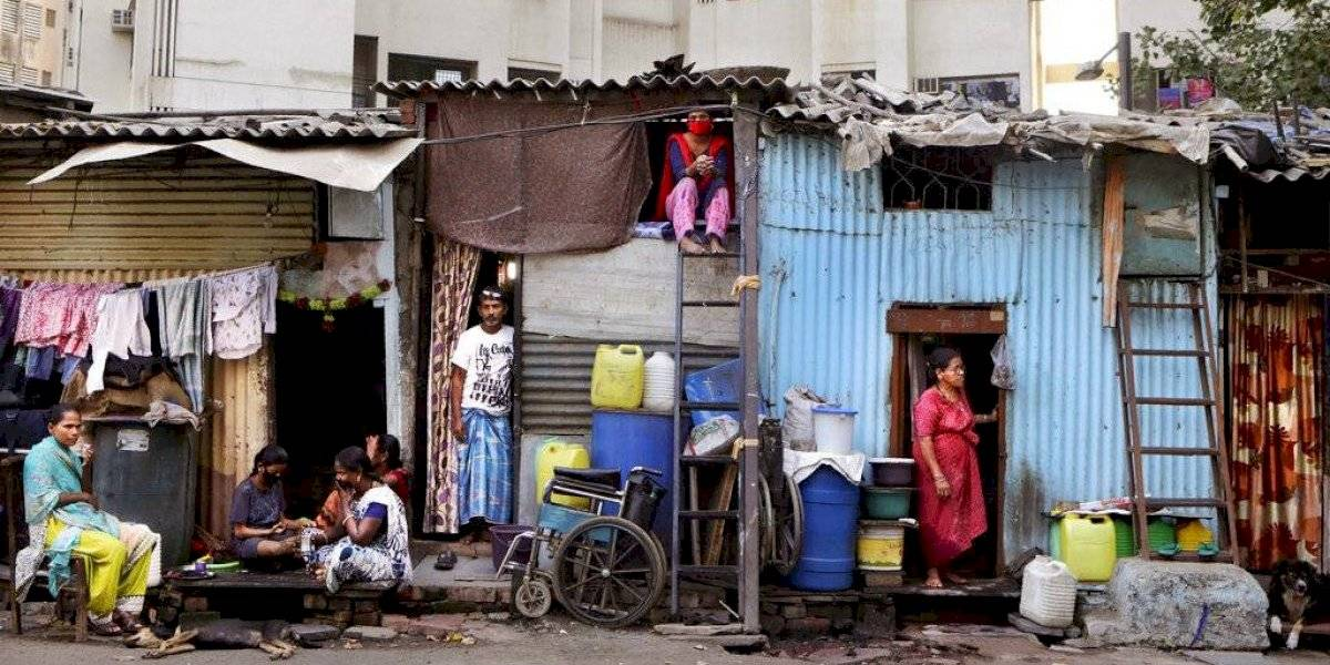 "Coronavirus azota el barrio de la película ""Slumdog Millonaire"""
