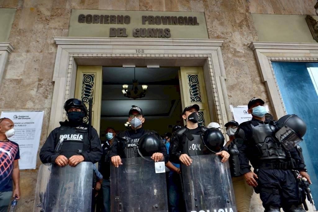 Simpatizantes del Carlos Luis Morales realizan plantón para respaldarlo