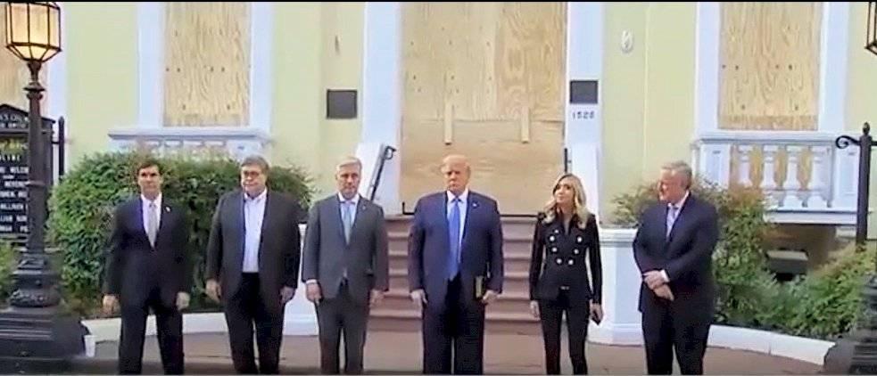 Trump y asesores