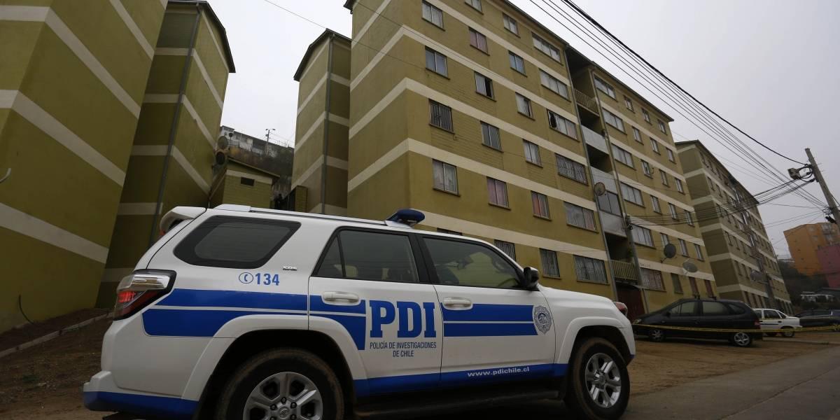 """Degollamiento doble en Valparaíso: tercera persona en el departamento tendría """"participación en los hechos"""""""