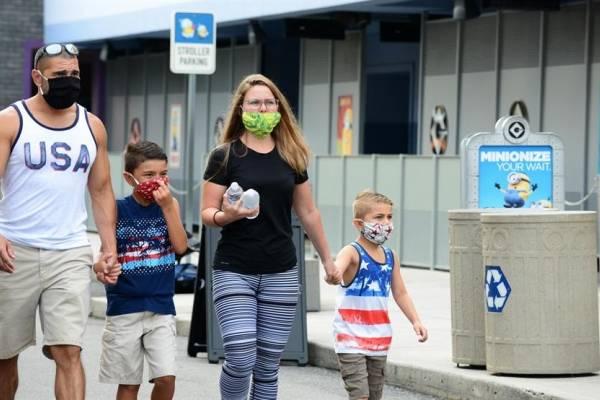 La diversión vuelve a Florida, aunque los casos de COVID-19 siguen aumentando