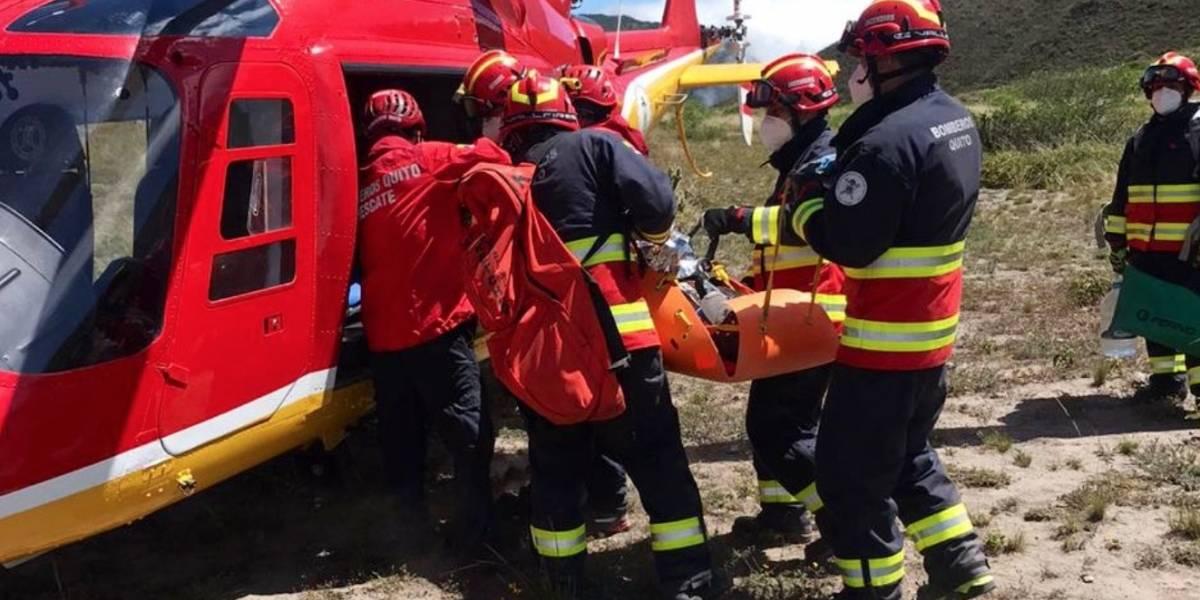 Bomberos Quito rescató a dos excursionistas en el cerro Sincholagua
