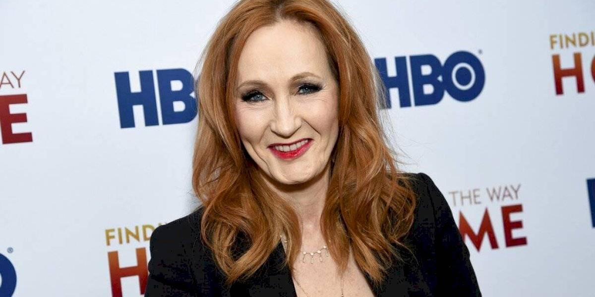 Tuits de JK Rowling sobre personas transgénero desatan ira