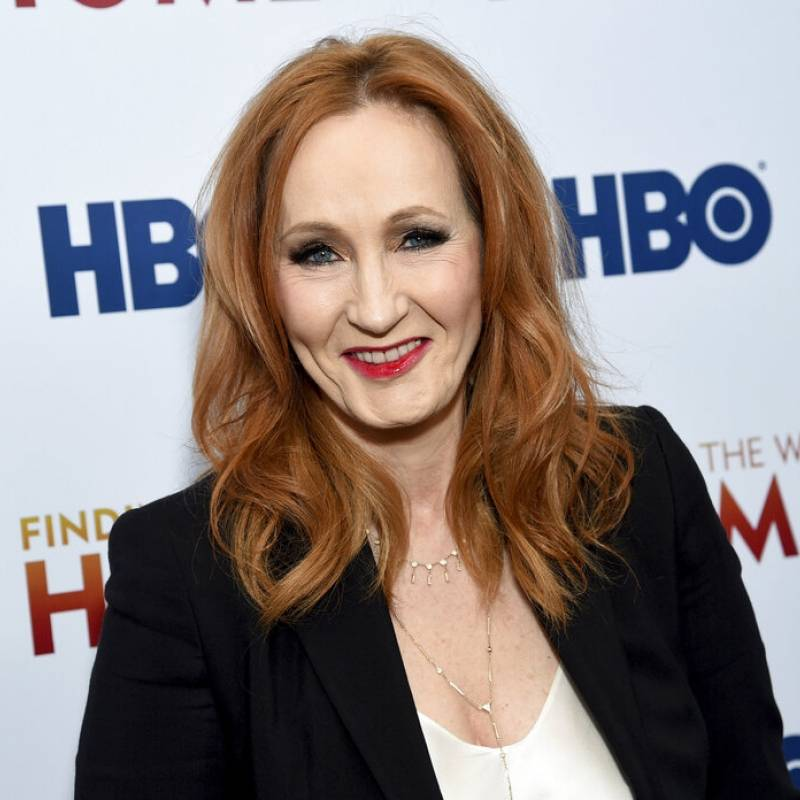 JK Rowling se convierte en tendencia en internet por ser cancelada una vez más