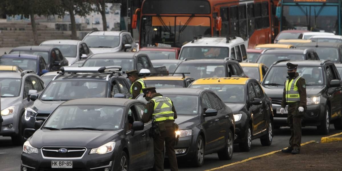Para mejorar la efectividad de la cuarentena: Carabineros realiza más de 200 controles preventivos en la Región Metropolitana