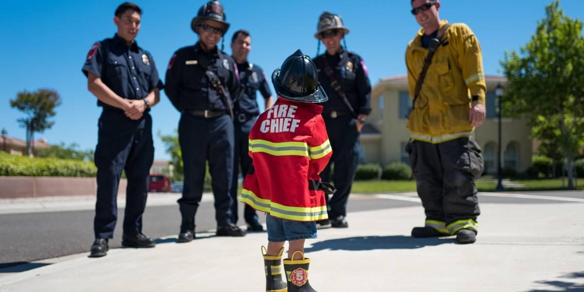 Bombeiros do DF ensinam a crianças rotas de fuga de incêndios