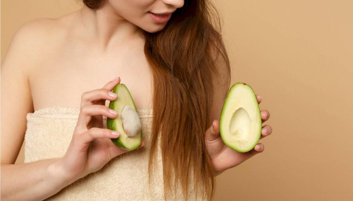 El aguacate junto al huevo te ayudarán a recuperar la vitalidad de tu cabello