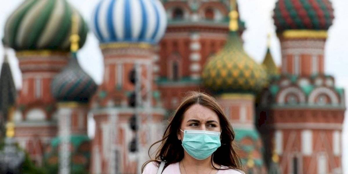 Moscú anuncia fin del confinamiento y la reapertura parcial de fronteras