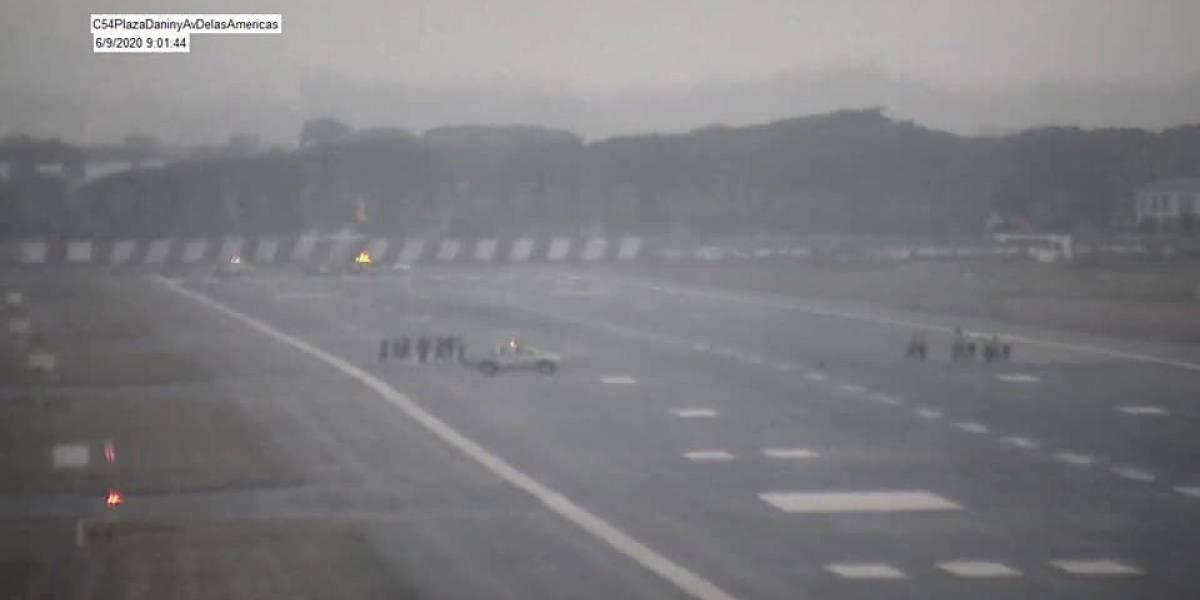 Aeropuerto de Guayaquil está inoperativo tras caída de ceniza de volcán Sangay