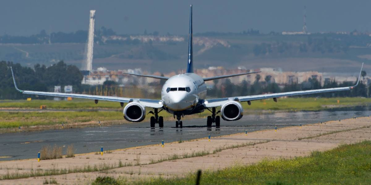 Un pasajero de VivaAir murió en pleno vuelo
