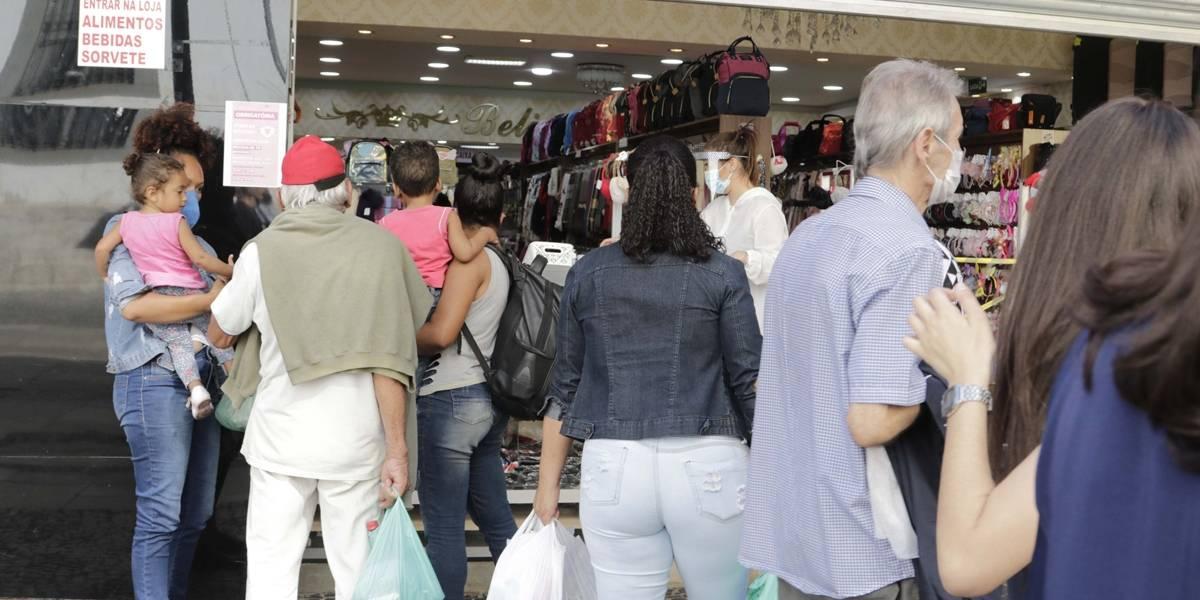 Sem controle, pandemia deve durar 'muito mais tempo' na América Latina, diz Opas
