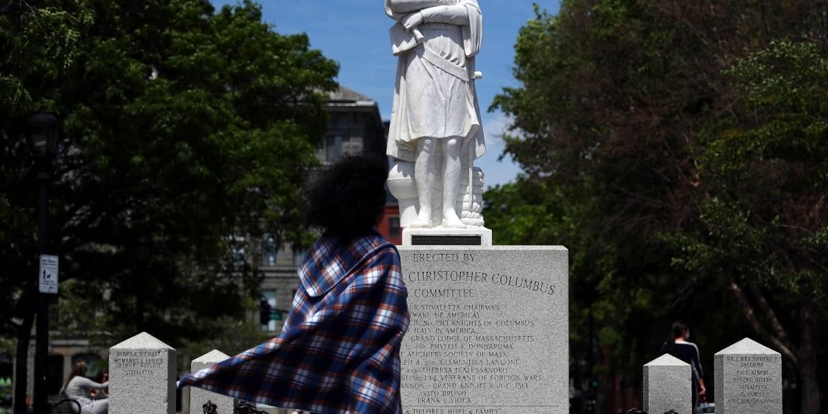 Estátuas de símbolos escravagistas são alvos de protestos e vandalismo