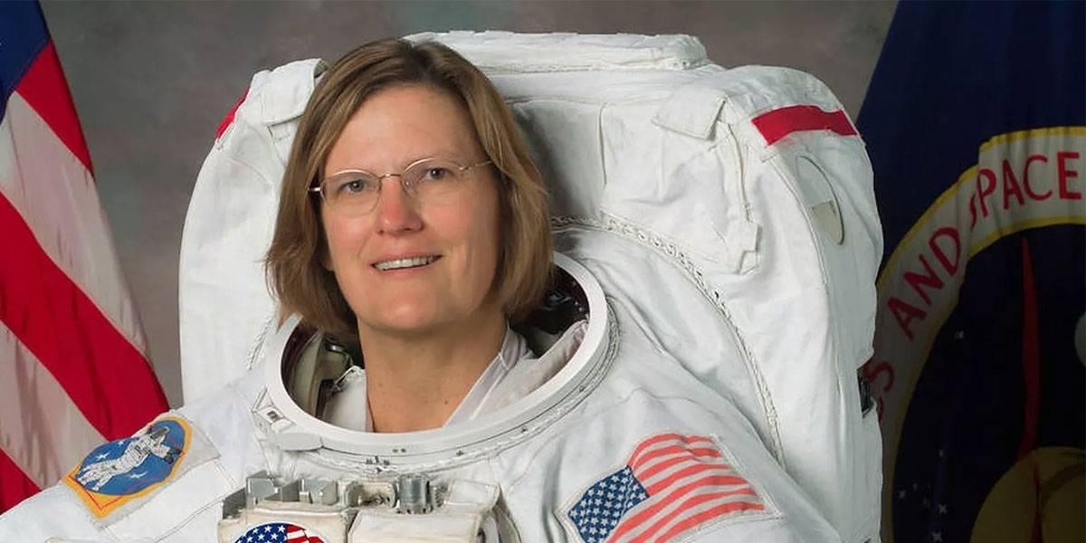 Primera mujer astronauta que camina sobre el espacio ahora llega el fondo del mar