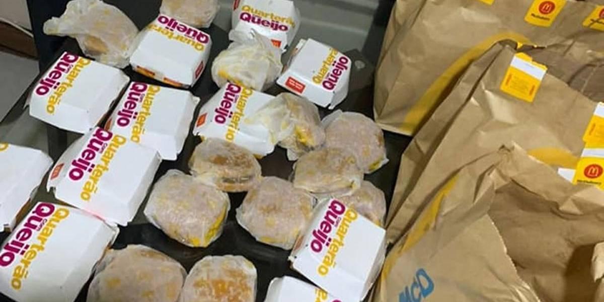 Entediado com a quarentena, garoto de 5 anos pede R$ 225 em hambúrguer pelo celular da mãe