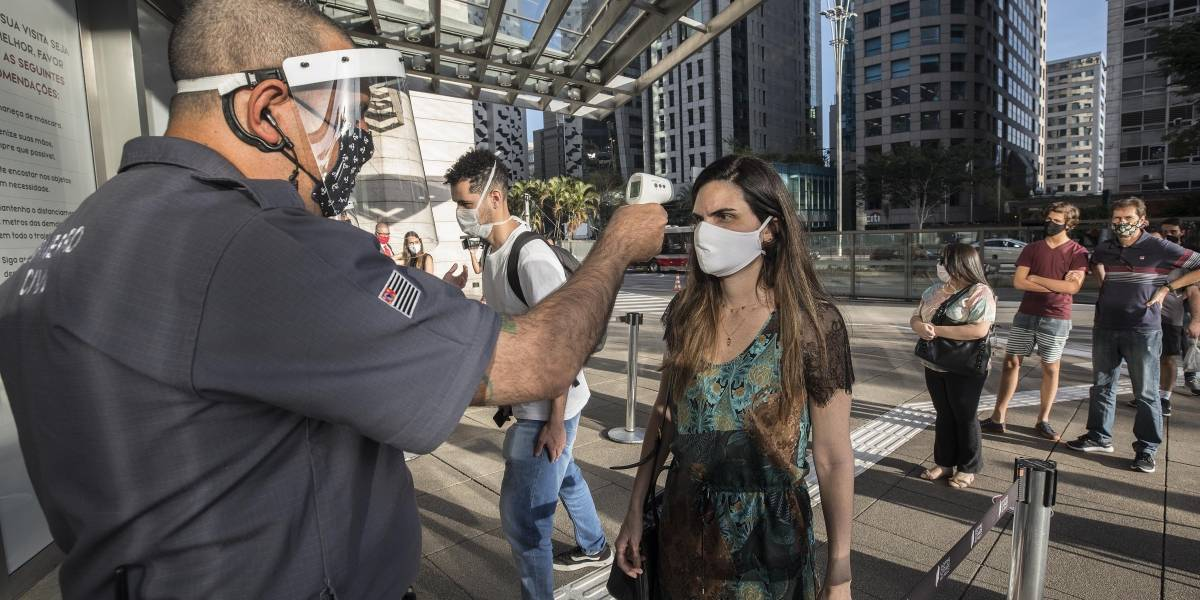 São Paulo tem 312,5 mil casos de covid-19, com 16 mil mortes