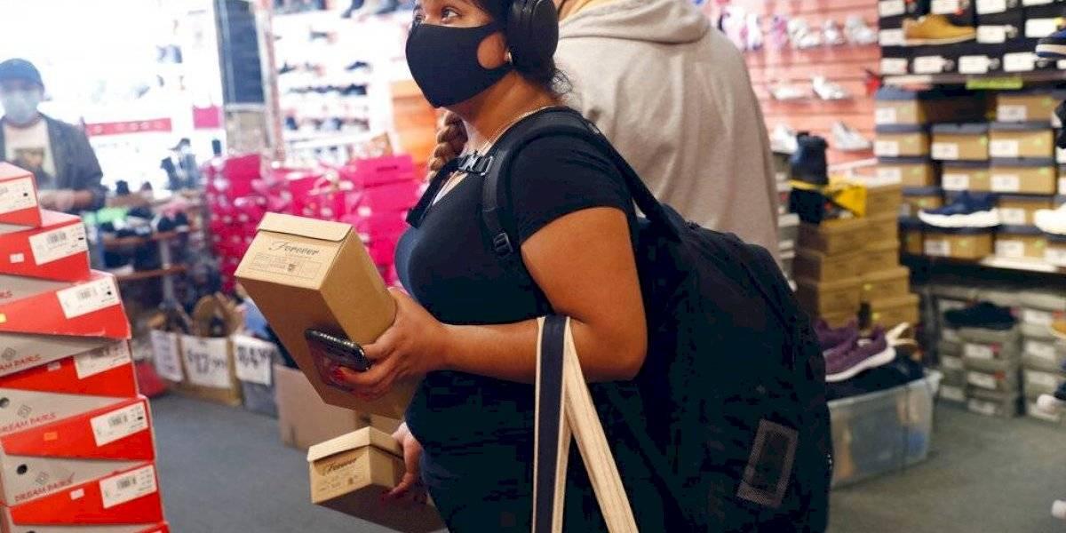 Levantan cuarentenas en Estados Unidos aunque hay más contagios de coronavirus