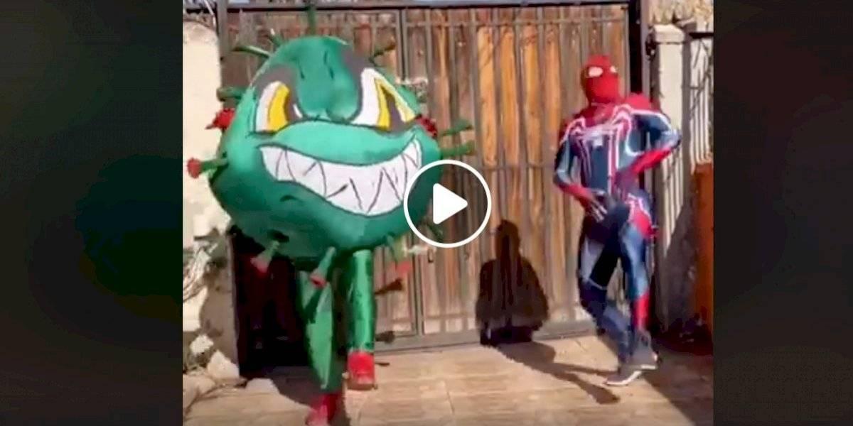 Tiemblan los Avengers: el video del Estúpido y Sensual Spiderman luchando con el coronavirus