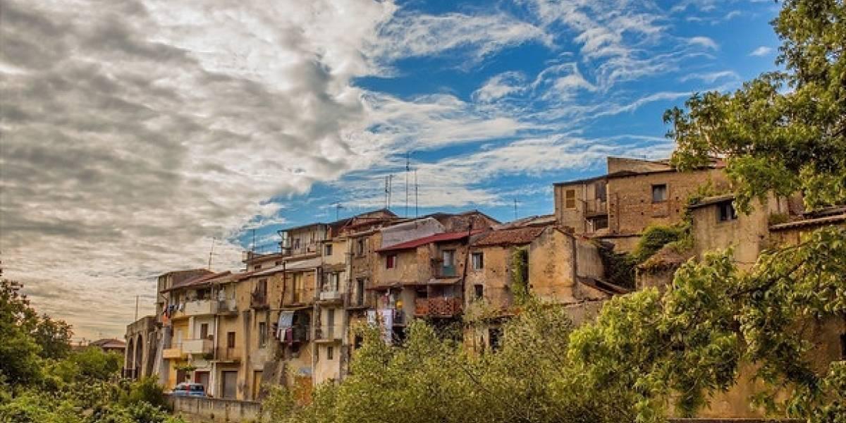 """Pueblo de Italia vende casas a 1 euro en zona """"libre de covid-19"""""""