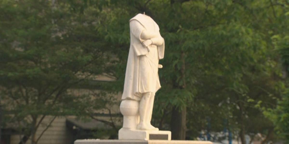 Decapitan estatua de Cristóbal Colón en Boston