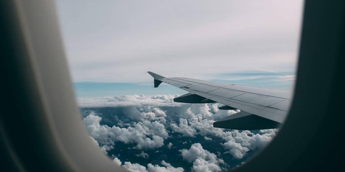 Avión internacional no pudo aterrizar por nube de ceniza volcánica