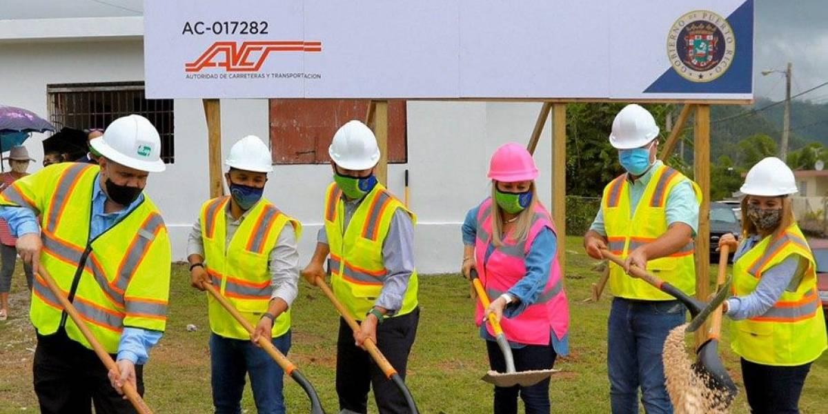 Gobernadora coloca primera piedra para rehabilitación de carreteras en la región norte y central