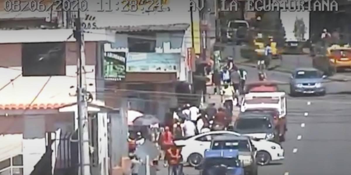 Semáforo amarillo en Quito: incremento del 11% en la aglomeración de personas