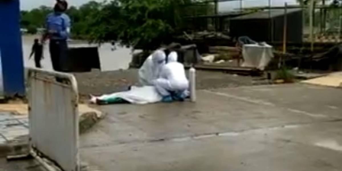 Hombre muere de manera dramática en calle de Quibdó, al parecer por COVID-19