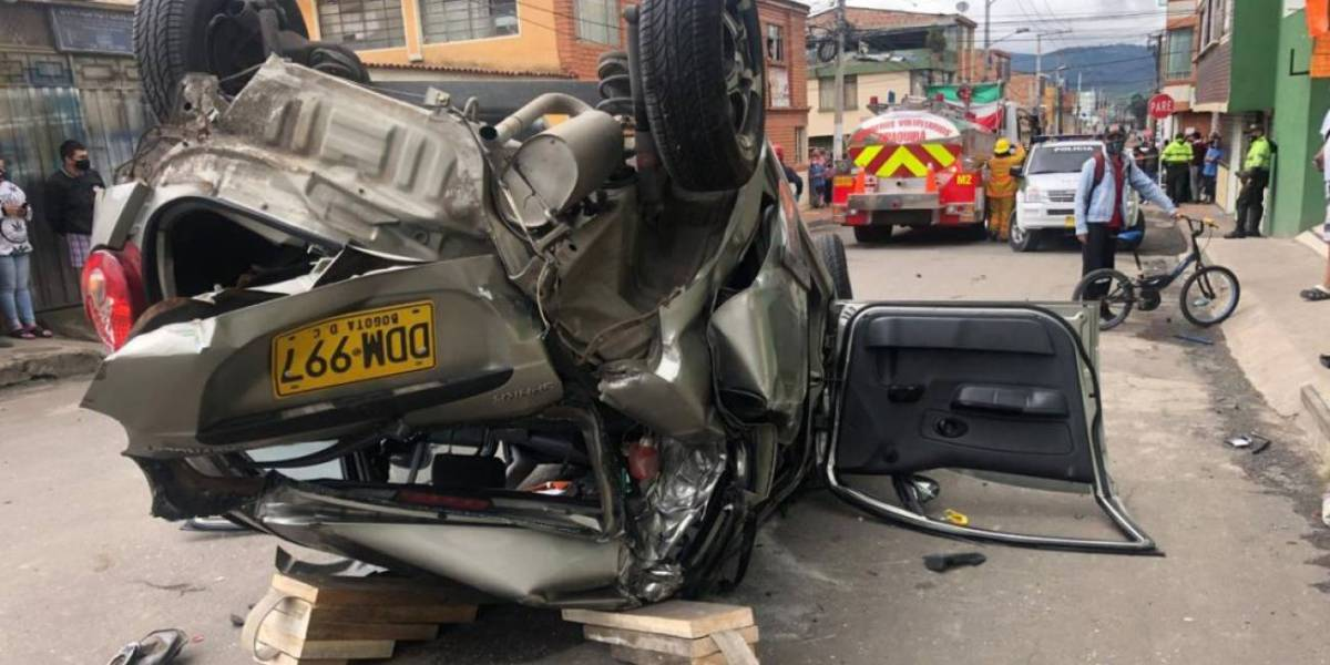 Tres vehículos chocan en aparatoso accidente en Zipaquirá